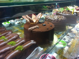 o cofetarie iesita in cale mai pe dupa-masa :)