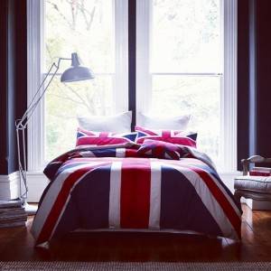 bed-bedroom-british-cuddling-Favim.com-751439